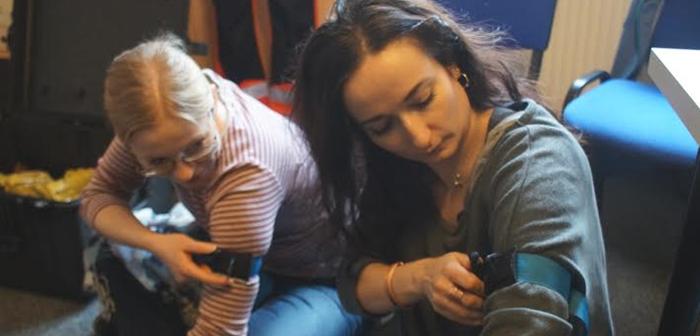 Ксеня Каневська під час тренінгу з тактичної допомоги. Фото автора статті.