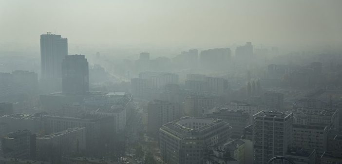 Варшава: підвищена кількість шкідливих речовин у повітрі