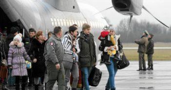 Польські репатріанти з Донбасу. Фото: Домінік Садовські/ Agencja Gazeta
